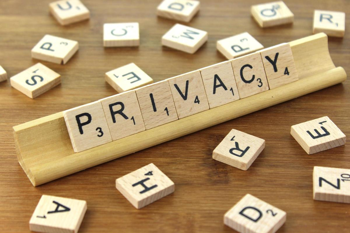 privacy by Nick Youngson CC BY-SA 3.0 Alpha Stock Images